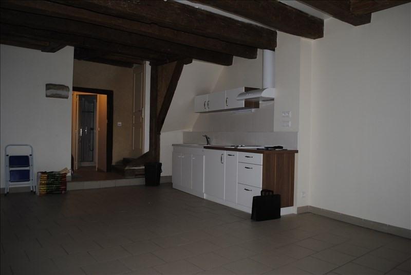 Location appartement Bleneau 325€ +CH - Photo 2