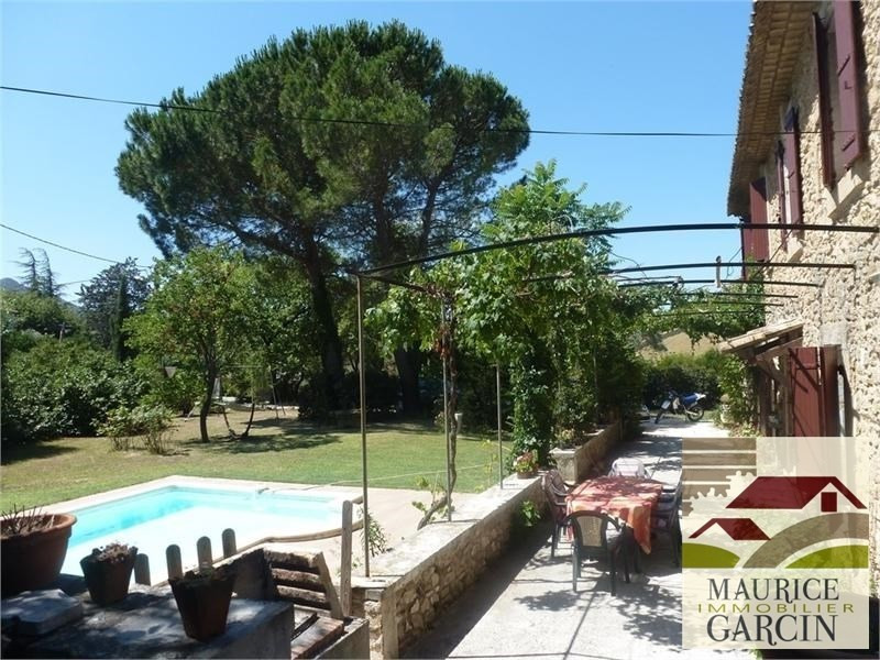 Vente de prestige maison / villa Robion 560000€ - Photo 3