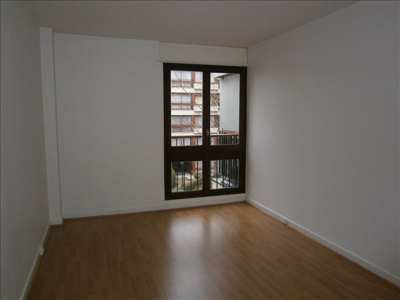 Location appartement Le chesnay 1 352€ CC - Photo 6