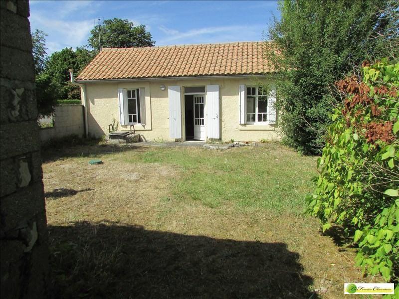 Sale house / villa Aigre 55000€ - Picture 1