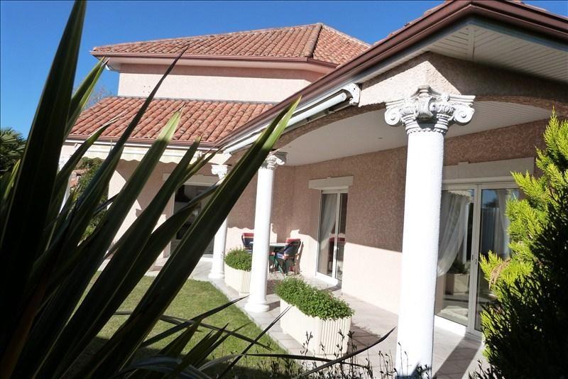 Sale house / villa Lee 405000€ - Picture 1