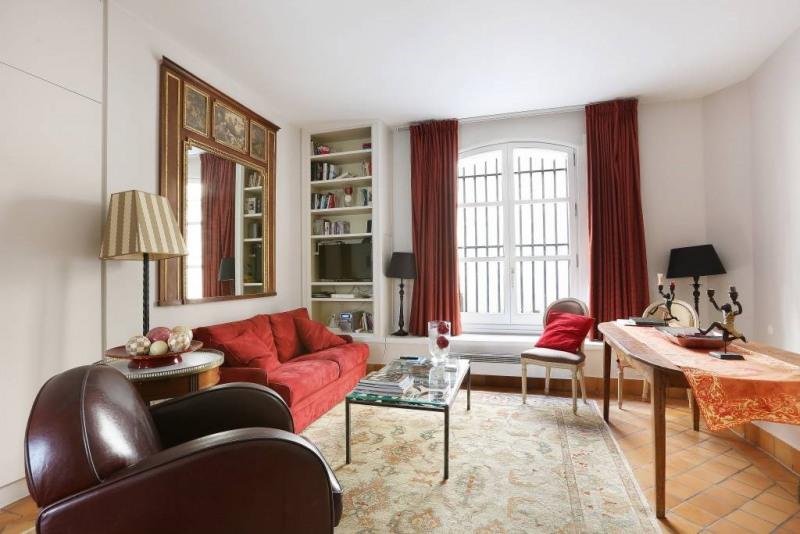 Location appartement Paris 4ème 1650€ CC - Photo 2