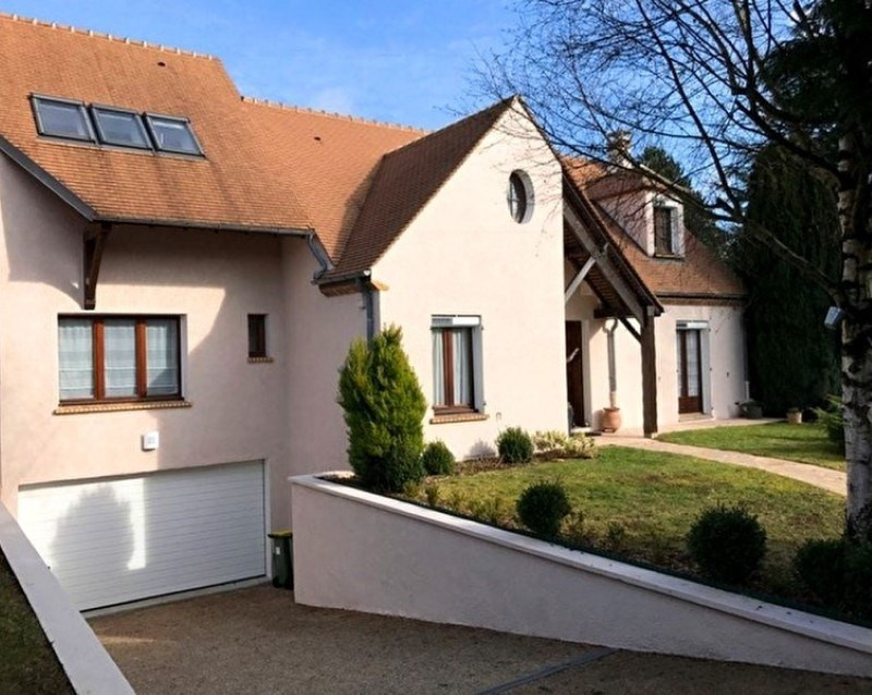 Sale house / villa Feucherolles 769 000€ - Picture 1