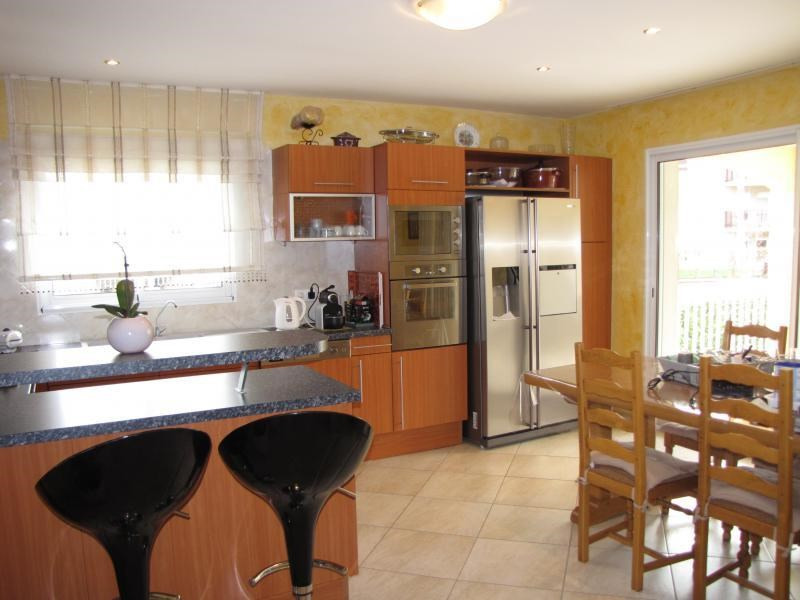 Sale house / villa Rumilly 530 000€ - Picture 2