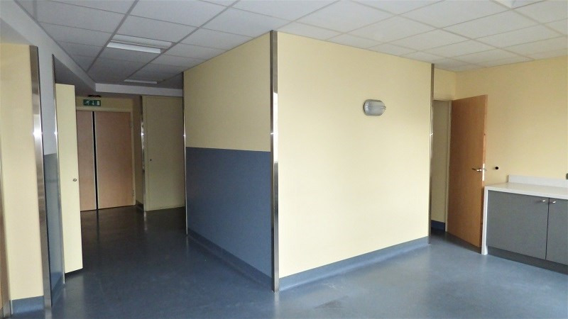 Rental office Annemasse 4 770€ CC - Picture 7