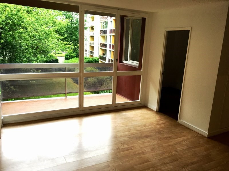 Location appartement Elancourt 681€ CC - Photo 3