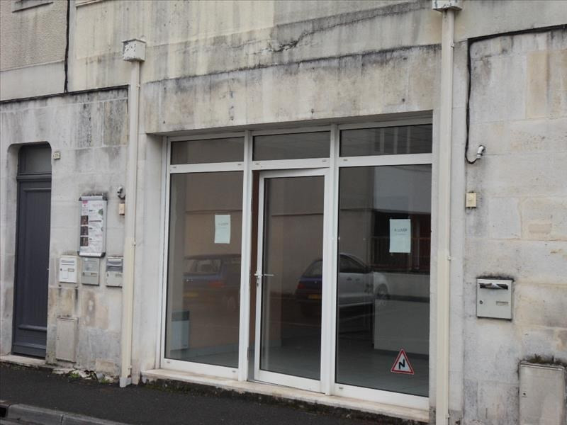Location local commercial Cognac 452€ HT/HC - Photo 1
