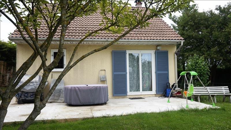 Sale house / villa Breval 240000€ - Picture 2