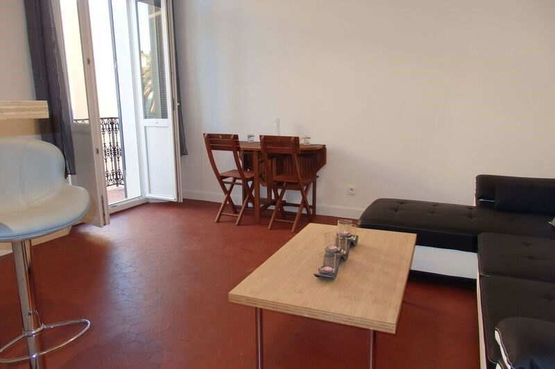 Location appartement Cannes 800€ CC - Photo 2