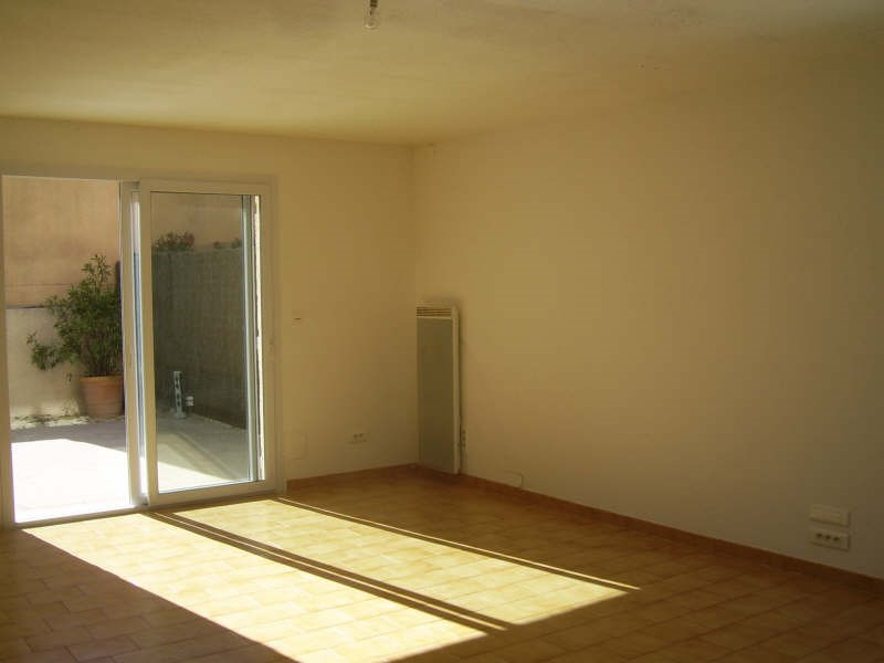 Location maison / villa Nimes 1 090€ CC - Photo 5