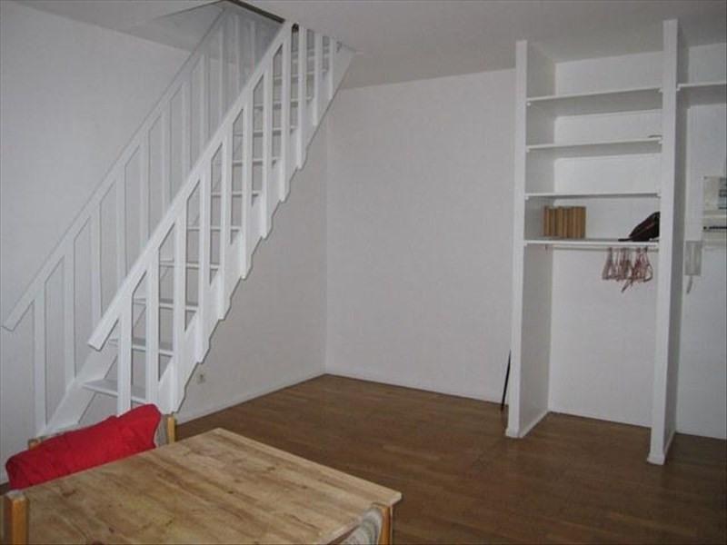 Rental apartment Versailles 825€ CC - Picture 1