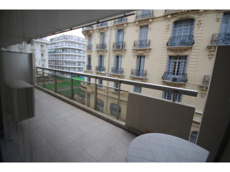 Location appartement Nice 1 580€ CC - Photo 2