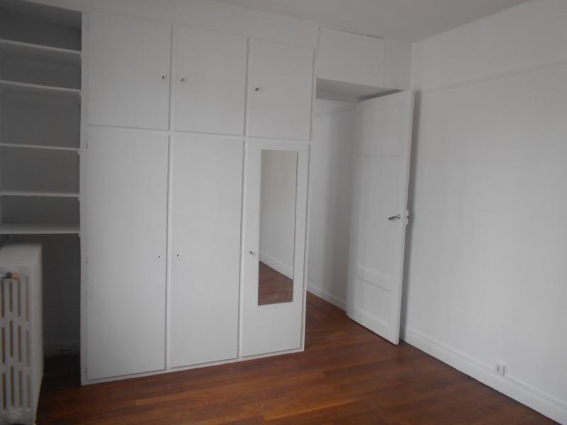 Location appartement Paris 15ème 1145€cc - Photo 5