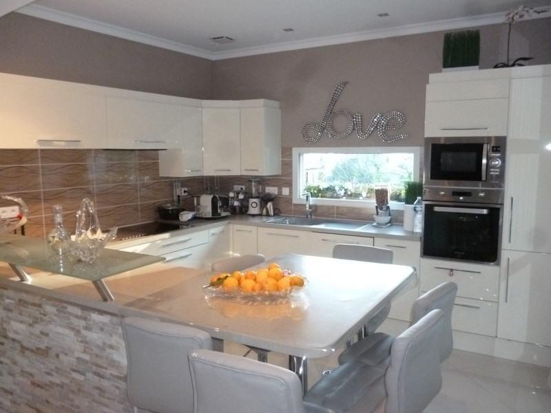 Sale house / villa Perigueux 283000€ - Picture 2