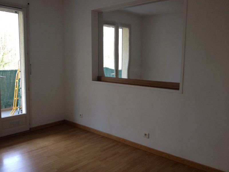 Rental apartment Longpont sur orge 700€ CC - Picture 3