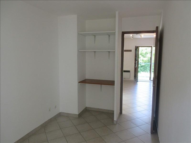 Locação apartamento Voiron 417€ CC - Fotografia 4