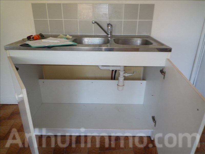 Rental apartment Lodeve 300€ CC - Picture 2