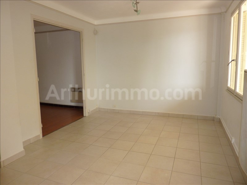 Rental apartment St raphael 680€ CC - Picture 2