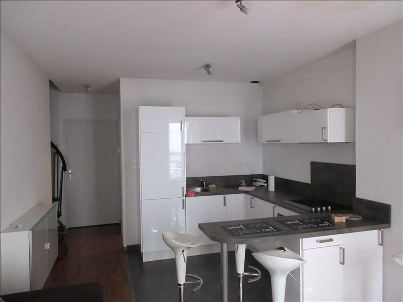 Rental apartment Voiron 409€ CC - Picture 1
