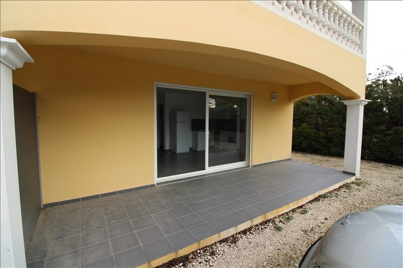 Location appartement Cabries 930€ CC - Photo 1