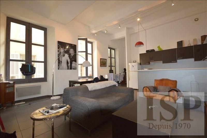 Rental apartment Aix en provence 1021€ CC - Picture 1