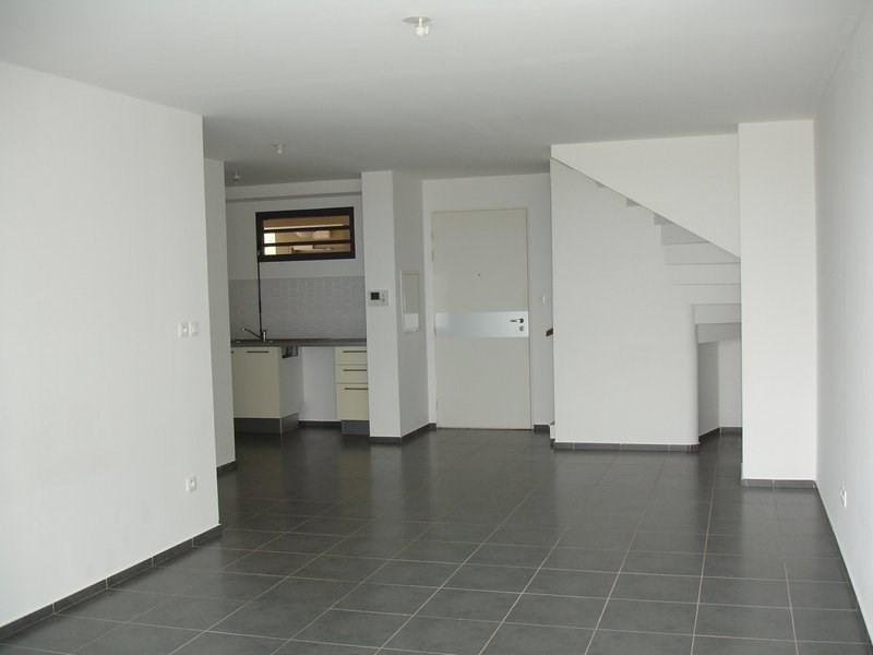 Location appartement St denis 833€ CC - Photo 2