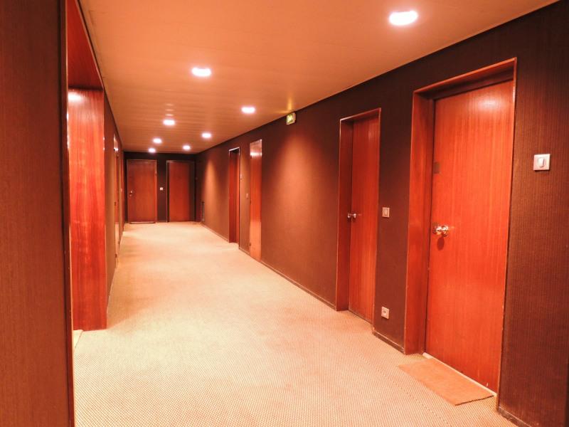 Location appartement Paris 8ème 1436€ CC - Photo 9