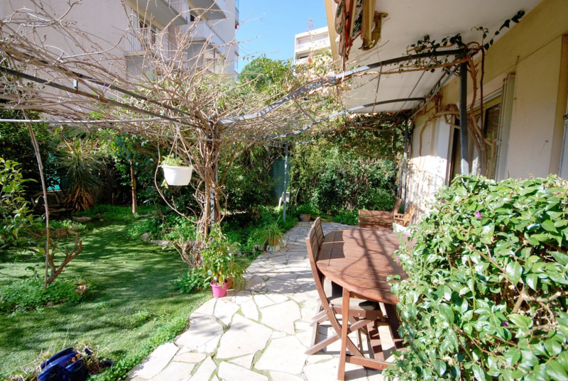 Sale apartment Antibes 385 000€ - Picture 1