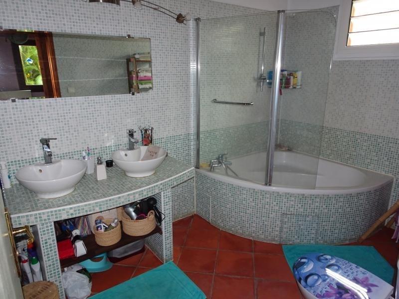 Sale house / villa La possession 429000€ - Picture 9