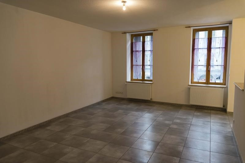 Location appartement Nantua 419€ CC - Photo 1