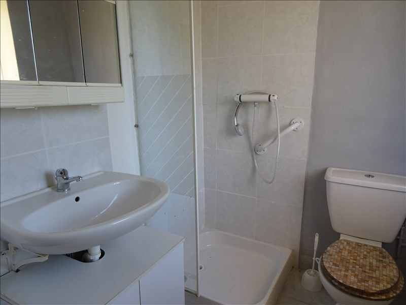 Rental apartment Riorges 350€ CC - Picture 3