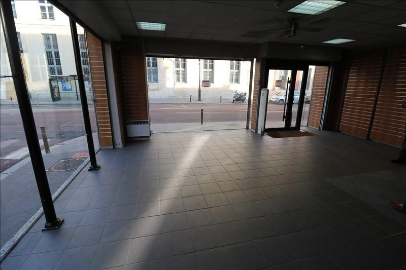 Rental empty room/storage Versailles 3167€ +CH/ HT - Picture 2