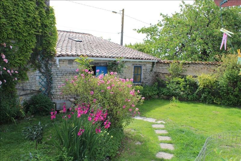 Sale house / villa Thaire 305370€ - Picture 3