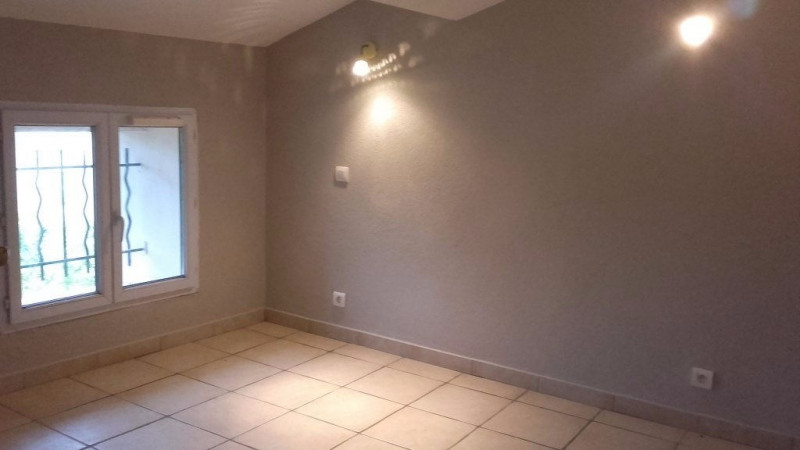 Location appartement Le muy 750€ +CH - Photo 1