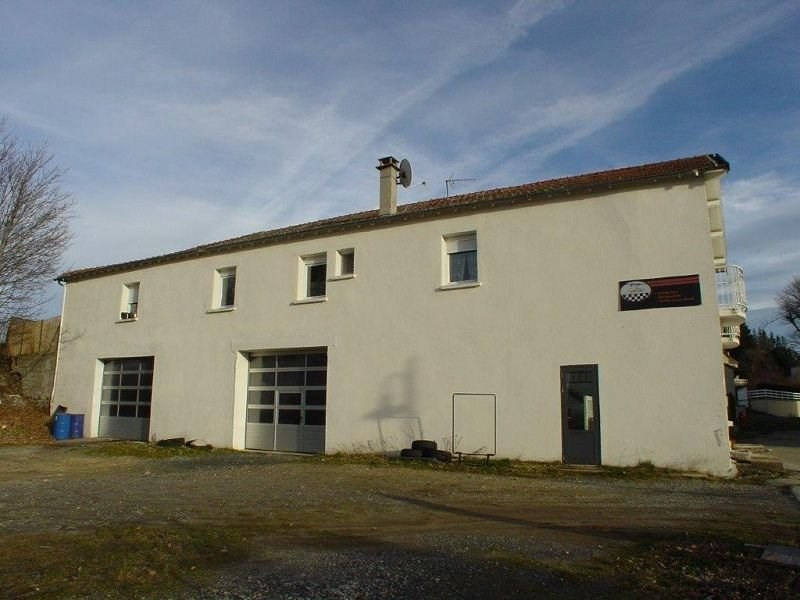 Sale building St agreve 210 000€ - Picture 2