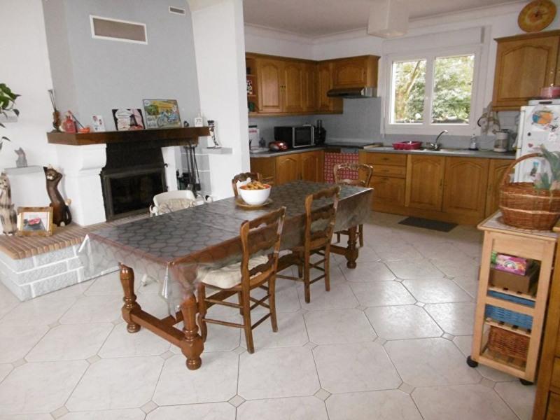 Location maison / villa St georges de pointindoux 800€ CC - Photo 2