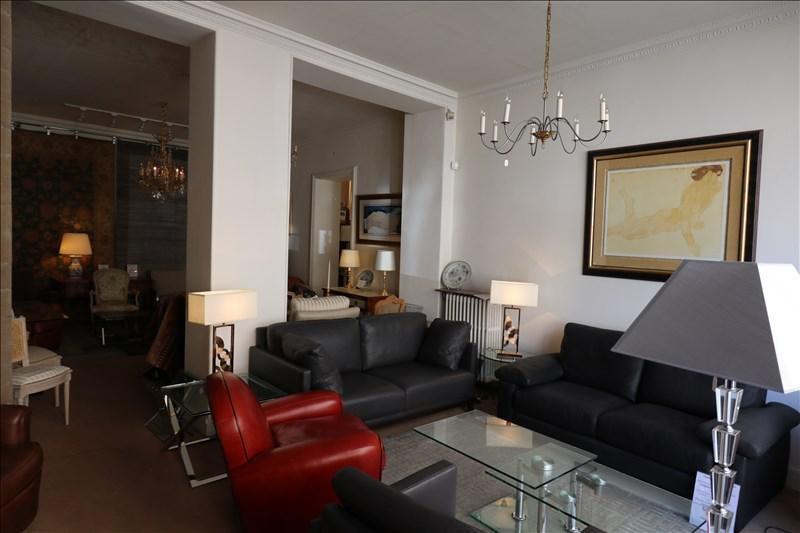 Rental empty room/storage Versailles 6980€ +CH - Picture 2