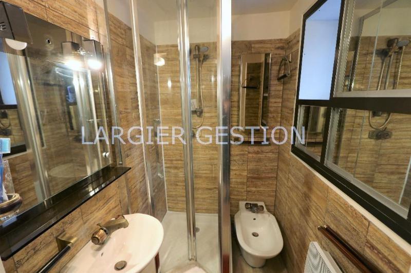 Location appartement Paris 8ème 1550€ CC - Photo 8