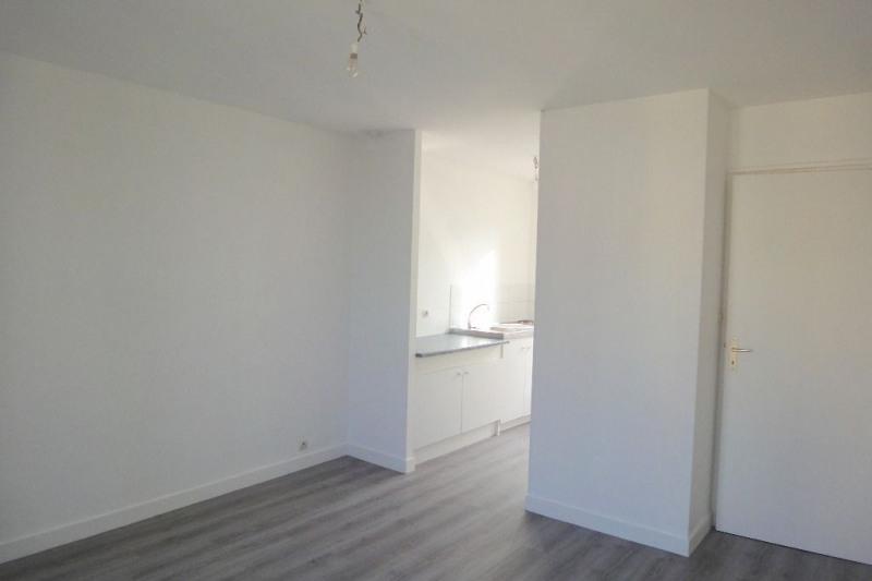 Location appartement Brest 375€ CC - Photo 3