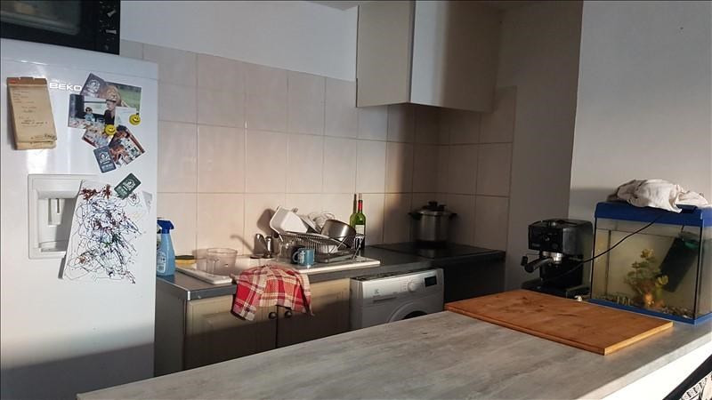 Rental apartment Salon de provence 666€ CC - Picture 3