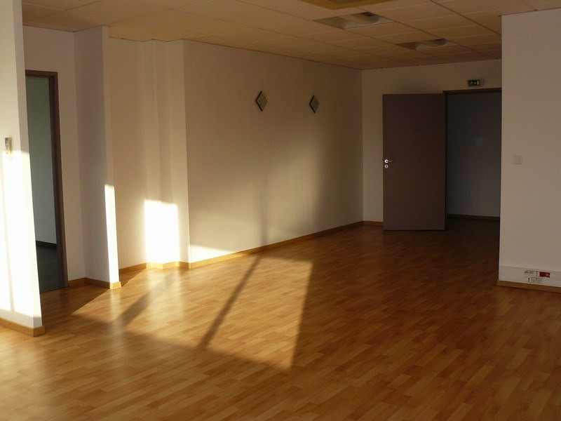 Rental empty room/storage Tassin la demi lune 1 500€ CC - Picture 5