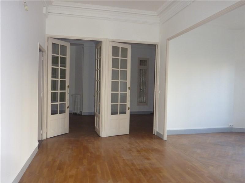 Location appartement Marseille 6ème 905€ CC - Photo 7