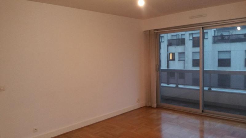 Location appartement Paris 15ème 1387€ CC - Photo 2