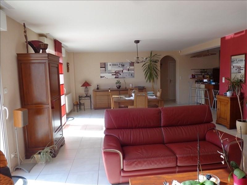 Sale house / villa La chaussee st victor 368000€ - Picture 7