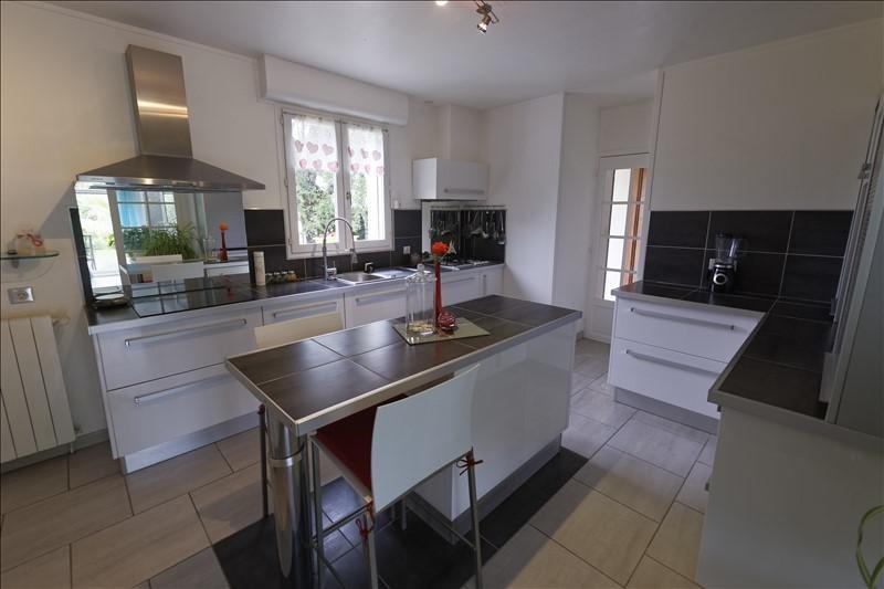 Deluxe sale house / villa Breuillet 632000€ - Picture 4