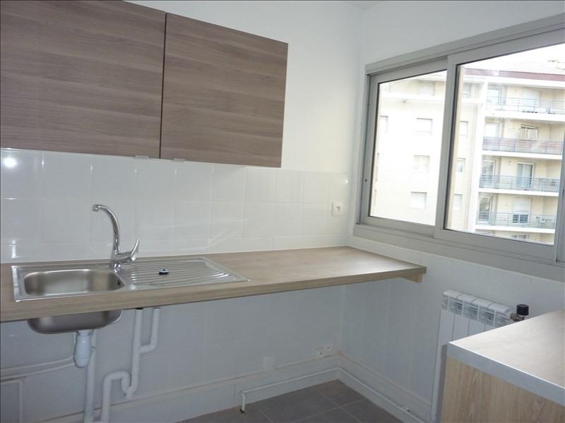 Location appartement Marseille 8ème 750€ CC - Photo 7