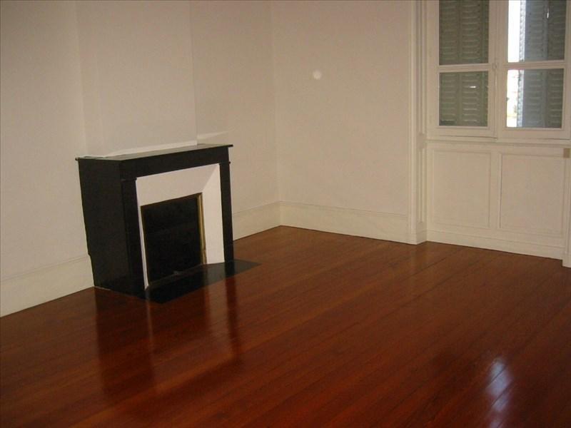 Location appartement Roanne 391€ CC - Photo 1