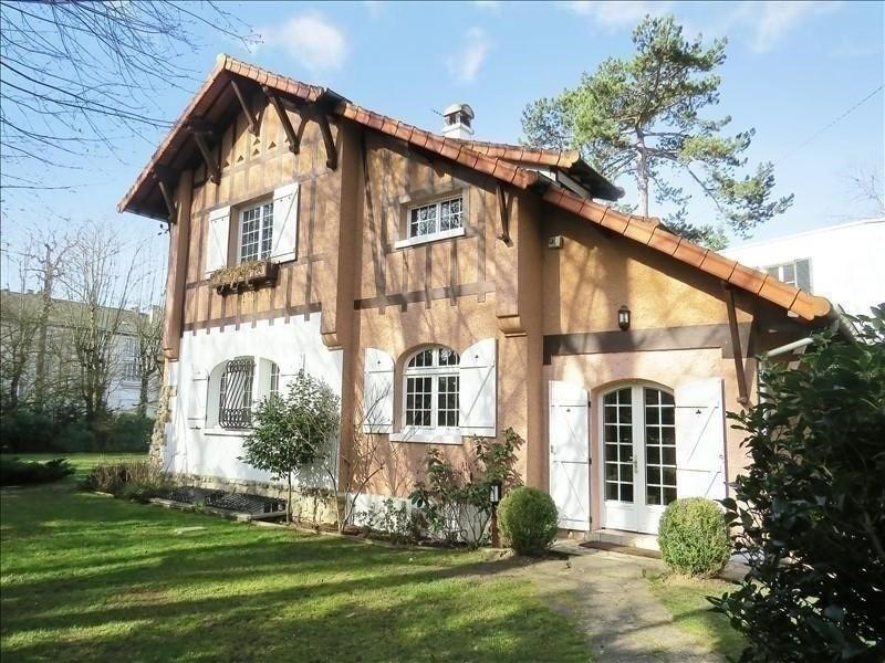 Deluxe sale house / villa Maisons-laffitte 1350000€ - Picture 1
