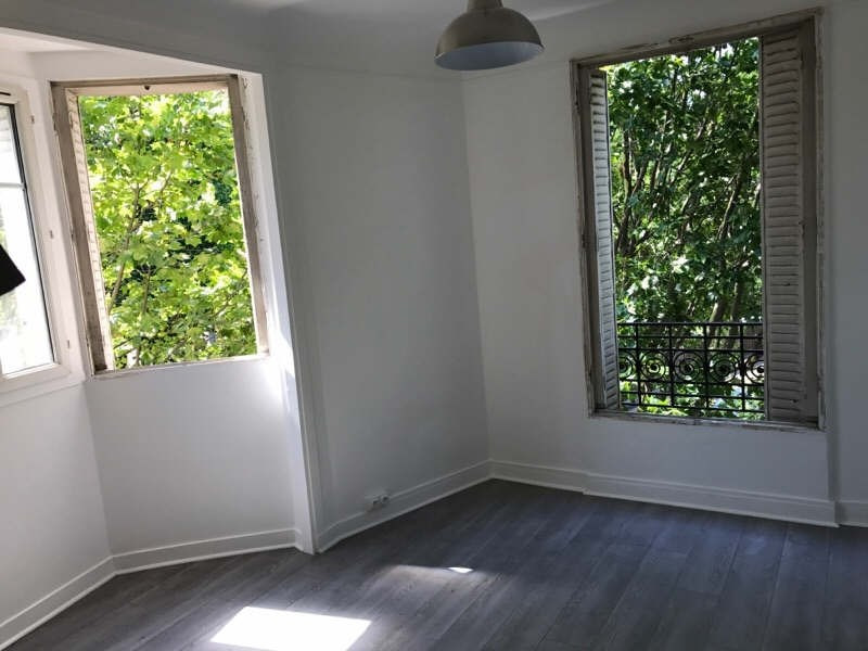 Rental apartment Clichy 950€ CC - Picture 2
