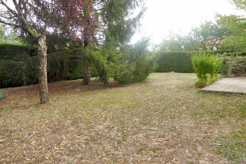 Rental house / villa Chazay d'azergues 1442€ CC - Picture 3